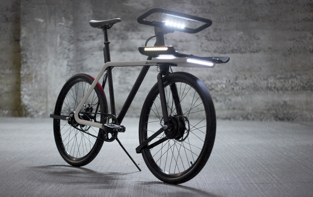 SEA-DENNY-the-Denny-bike-also-has-a-fully-integrated-smart-lighting-system-that-adapts-the-intensity-based-on-the-natural-light-conditions
